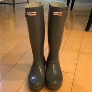 Hunter Boots Tall Gray Size 7